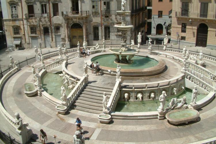 La Fontana di Pretoria - Palermo, Sicily
