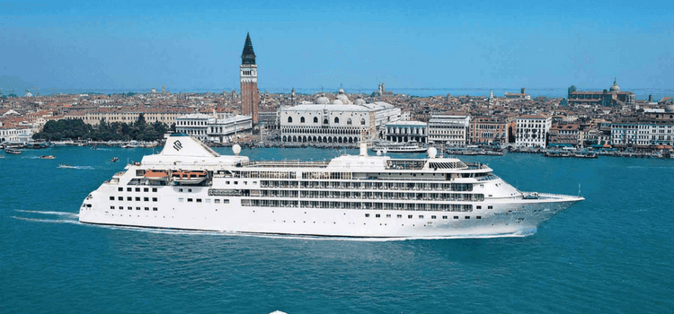 Cruise through the Venetian waters