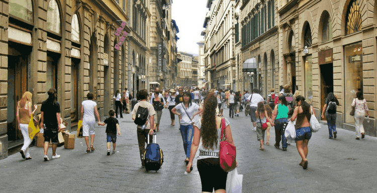 Walk and explore the streets of Italy